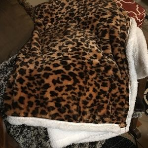 Animal Print Throw, White Sherpa Reverse